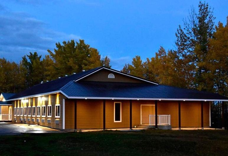 The Lion Inn & Suites, Chetwynd