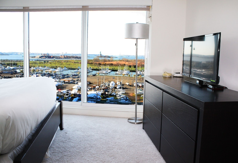 Liberty View Suites at the Zenith, Jersey City, Apartment, 2 Bedrooms, Non Smoking (w/ Loft & Statue View), Guest Room