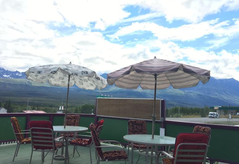 Kluane Park Inn, Haines Junction, Terrasse/patio