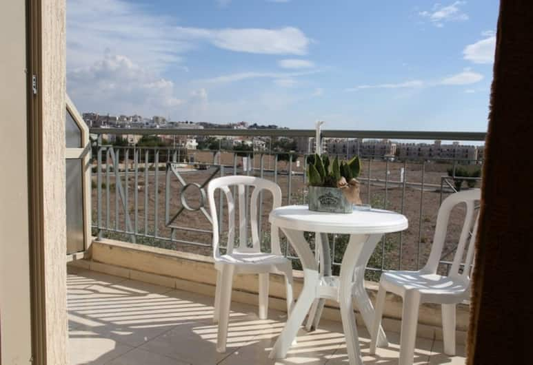 King's Holiday Apartments, Paphos, Terrace/Patio