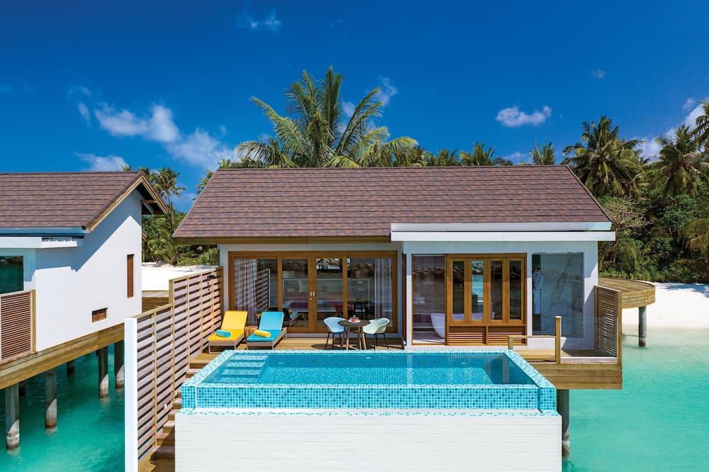 Sunset Water Villa with Pool - Svetainės zona