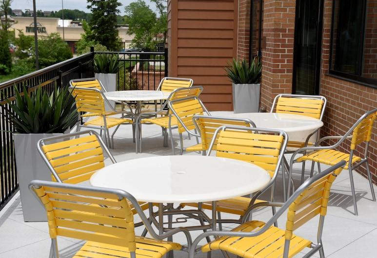 Fairfield Inn & Suites by Marriott Omaha West, Omaha, Terrasse/Patio