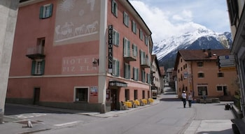 Picture of Hotel Piz Ela in Berguen