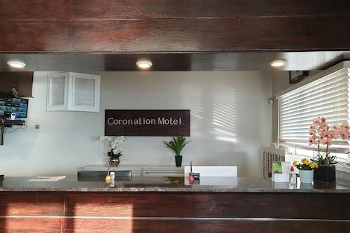 加冕汽車旅館/