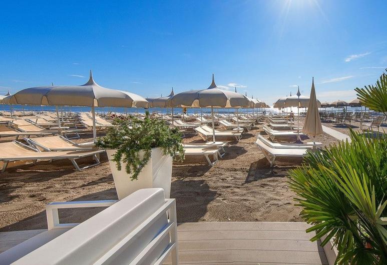 Hotel Benini, Cervia, Beach