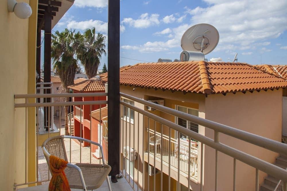 Studio (Olimpus 39) - Balcony