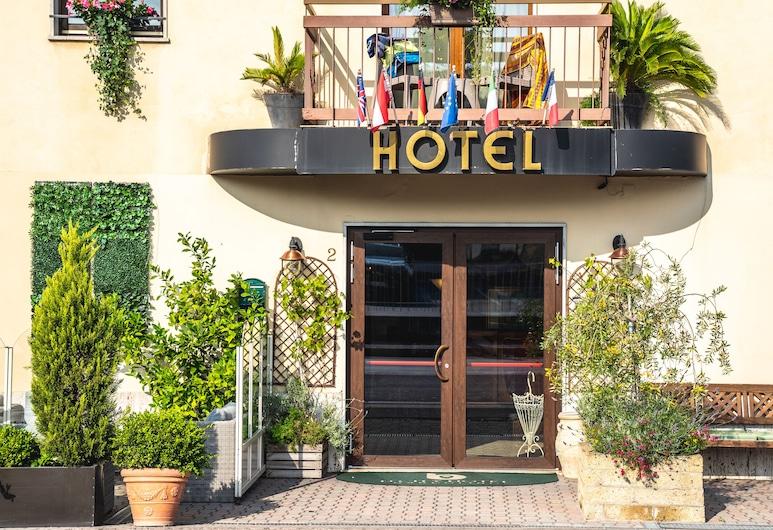 B City Hotel, Bardolino, Ingresso hotel