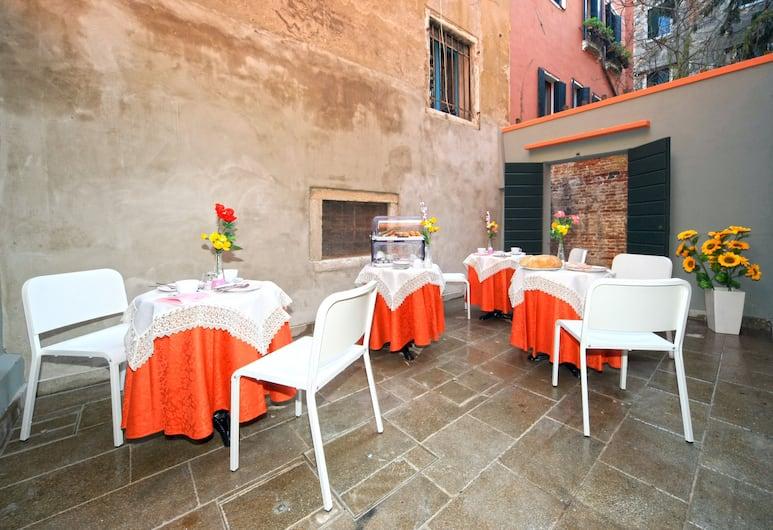 B&B Rialto Dream, Venezia, Ristorazione all'aperto