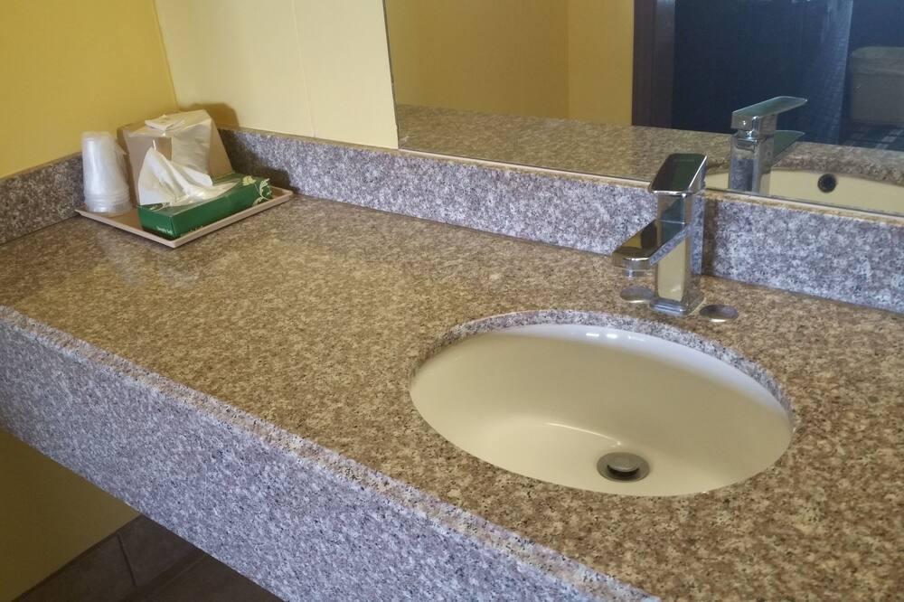 Standard Room, 1 King Bed - Bathroom Sink
