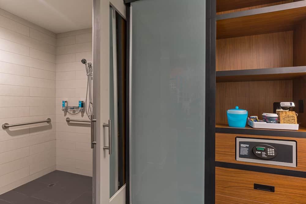 aloft ルーム キングベッド 1 台 禁煙 - バスルーム