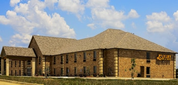 Picture of Luxury Inn and Suites in Florence