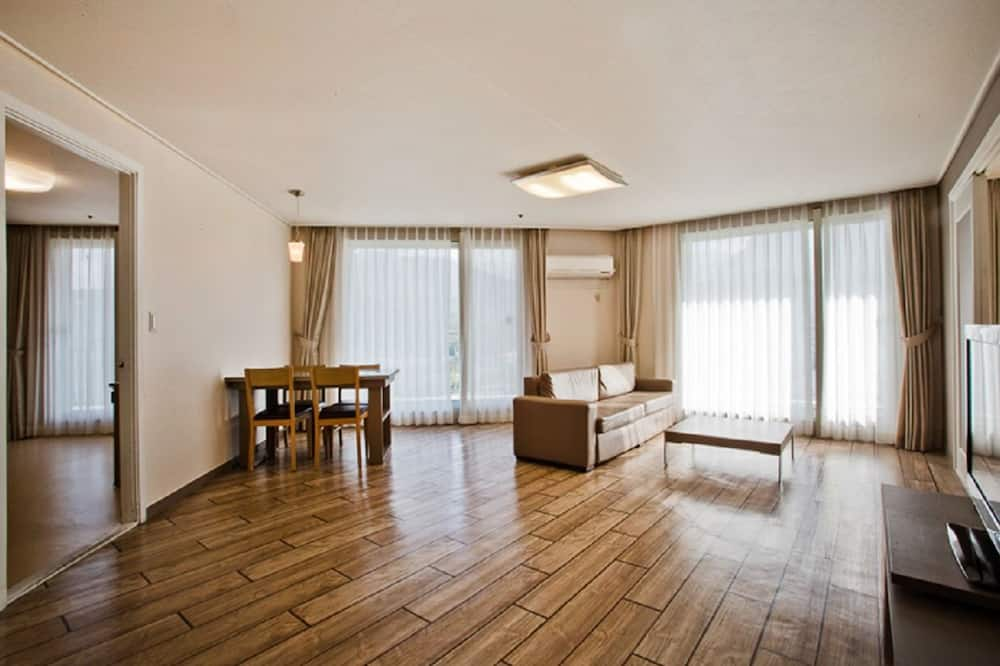 豪華客房, 1 間臥室 (2 Free Tickets for Sauna) - 客廳