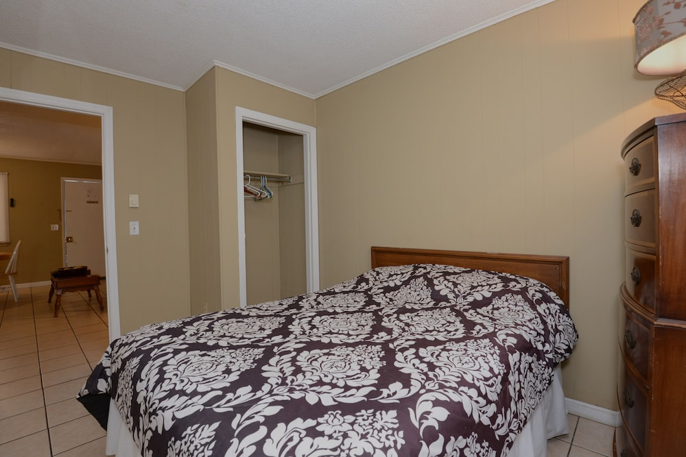 The Sea Garden Motel And Apartments, Seaside Heights, Apartment, 2  Bedrooms, Guest
