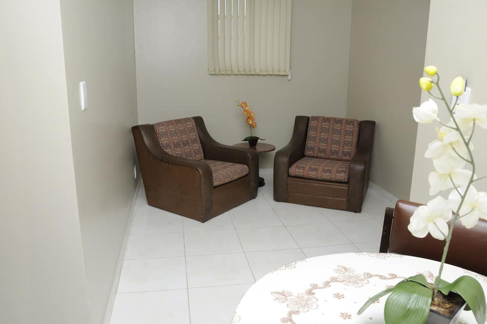 Suite (Double) - Living Room