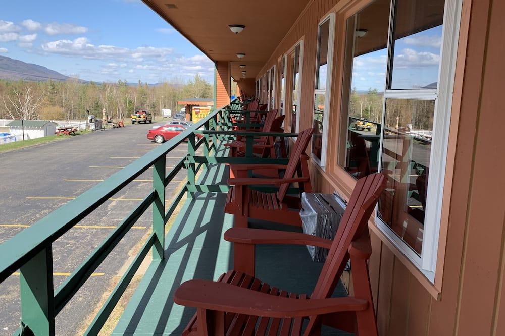 Comfort Room, Refrigerator & Microwave, Stunning Mountain View - Balkons