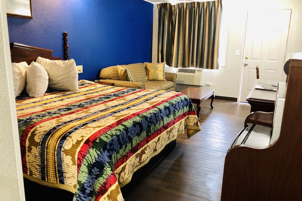 Classic Room, 1 King Bed, Non Smoking - Guest Room