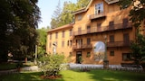 Book this Free wifi Hotel in Serralunga d'Alba
