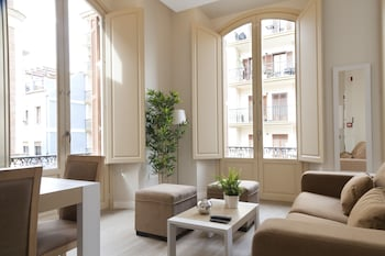 Picture of Pinar Apartments in Malaga