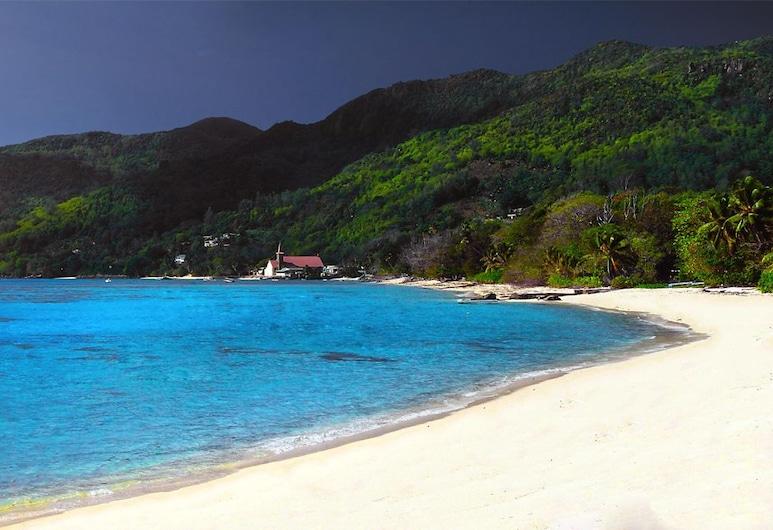 Le Domaine de Bacova, Mahe Island, Beach
