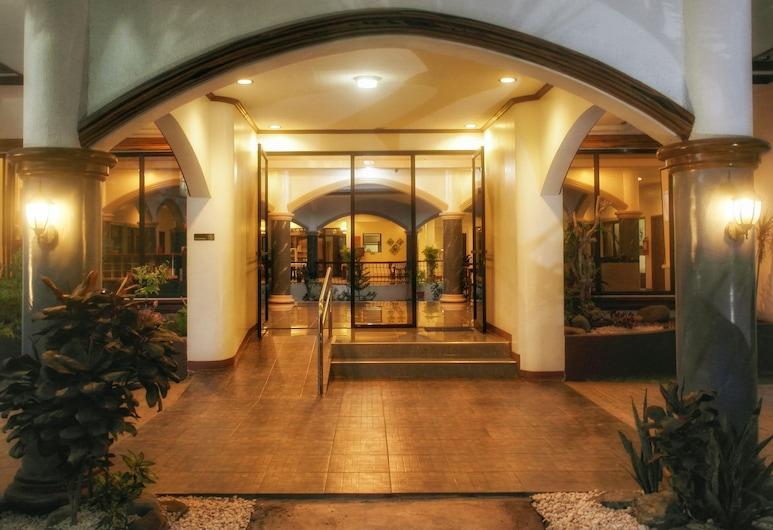 Palawan 502 Pension, Puerto Princesa, Vchod do hotelu