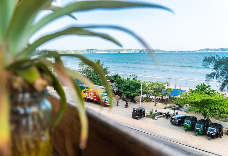 Hangtime Hostel, Weligama, Beach