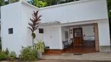 Choose This Cheap Hotel in Anuradhapura
