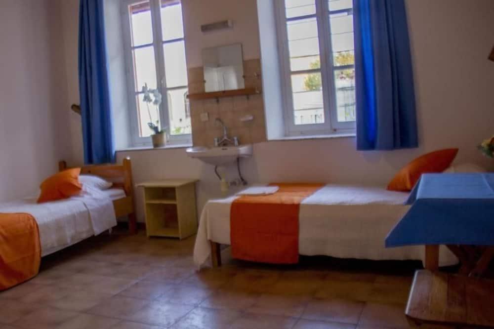 Trippelrum - delat badrum - Vardagsrum