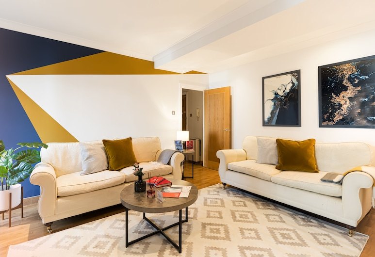 Globeview Serviced Apartments by TheSqua.re, London, Living Room