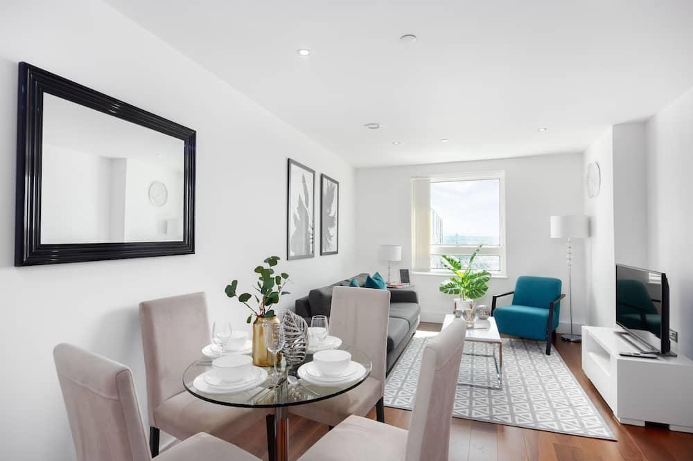 Comfort Studio, 1 Double Bed, City View - Living Area