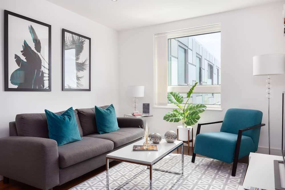 Comfort Studio, 1 Double Bed, City View - Living Room