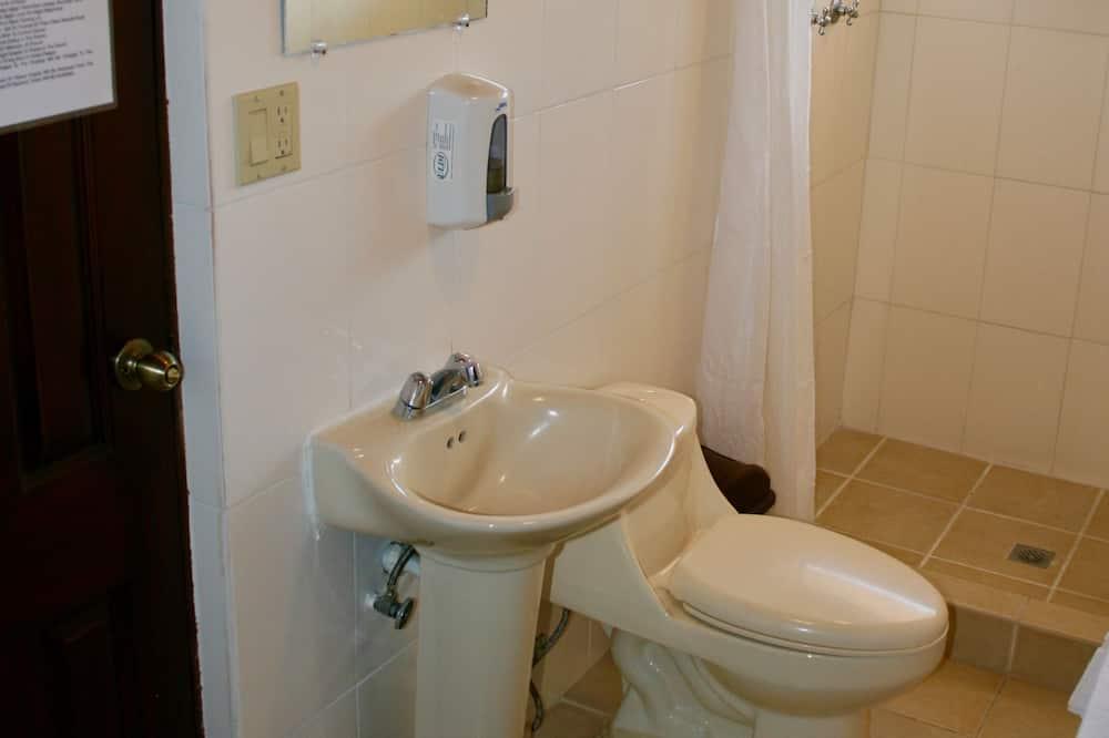 스탠다드 쿼드룸 - 욕실
