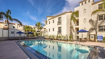 15 Closest Hotels to Ronald Reagan UCLA Medical Center in