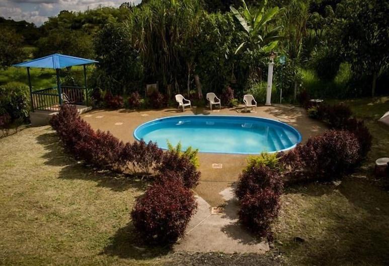 Casa Campestre Brisas Del Rio, Salento, Välibassein