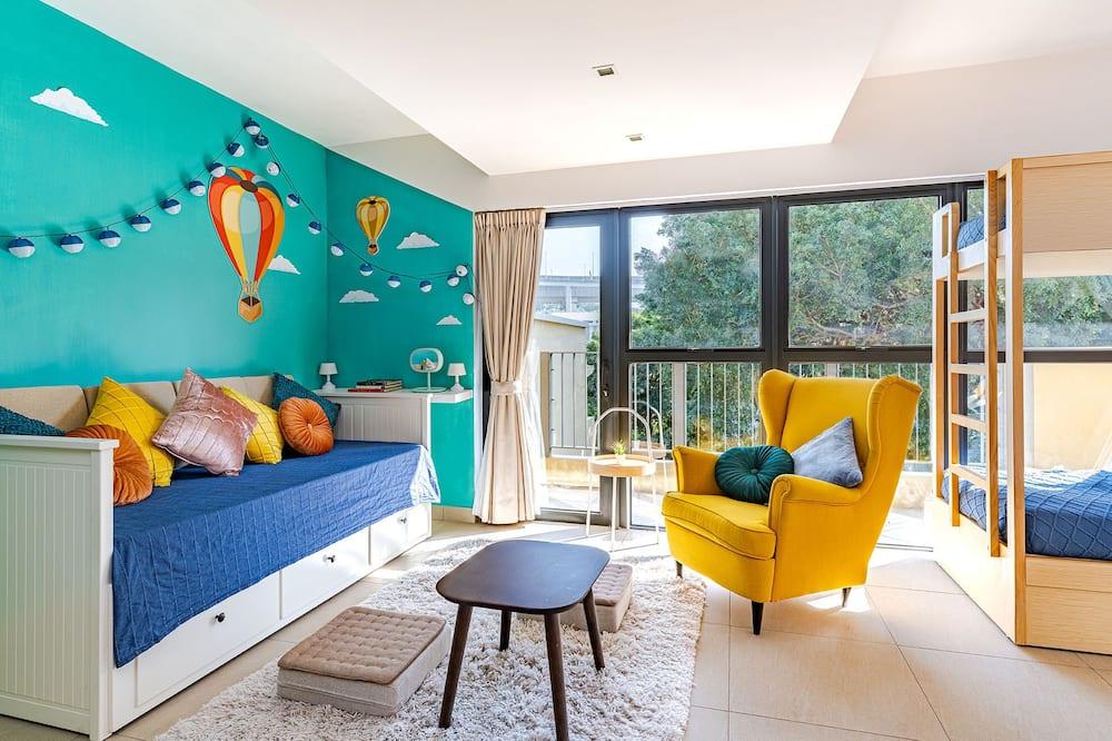 Family Studio - Guest Room