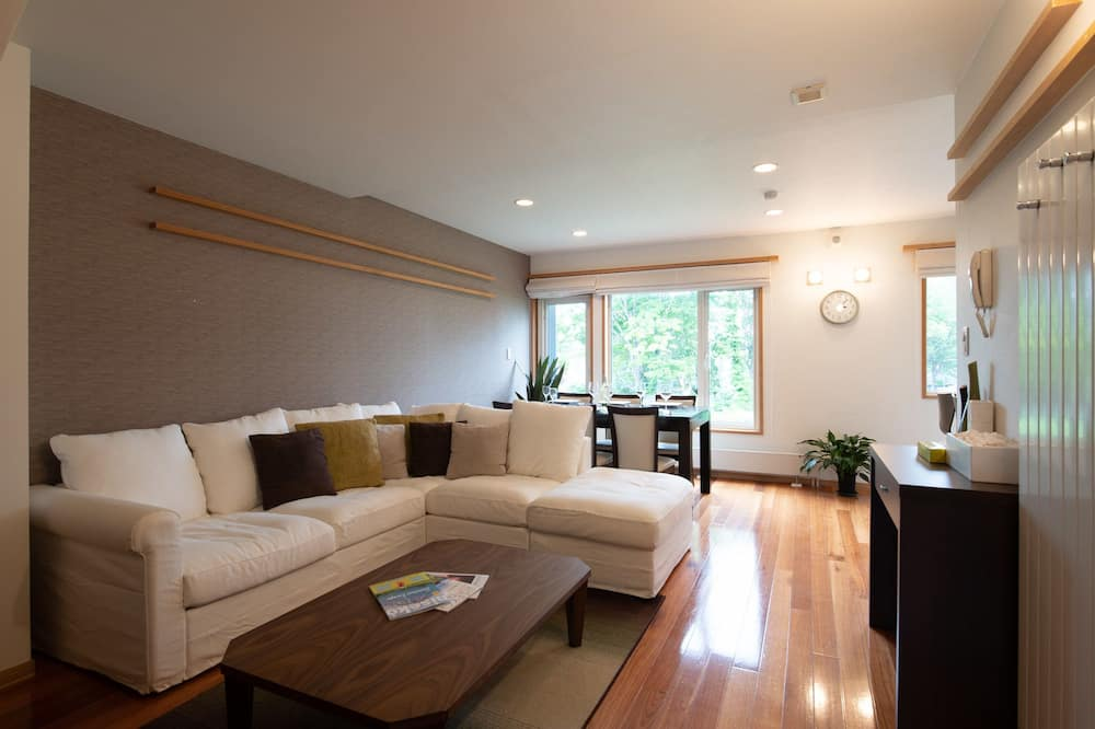 Holiday Niseko Shinsetsu Apartments
