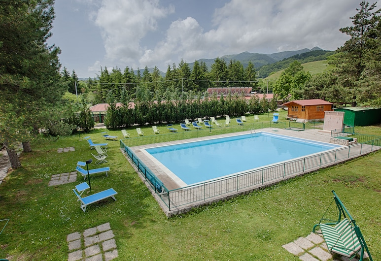 Hotel Iris, Pescasseroli, Pool