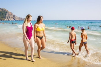 Enter your dates to get the Alanya hotel deal