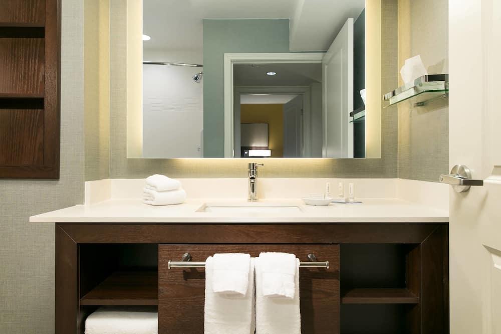 Numeris, 2 miegamieji, Nerūkantiesiems - Vonios kambarys
