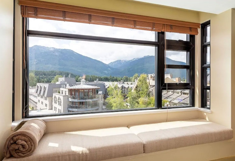 Carleton Lodge by Gibbons Life, Whistler, Comfort Apartment, 1 Bedroom, Mountain View, Mountainside, Guest Room View