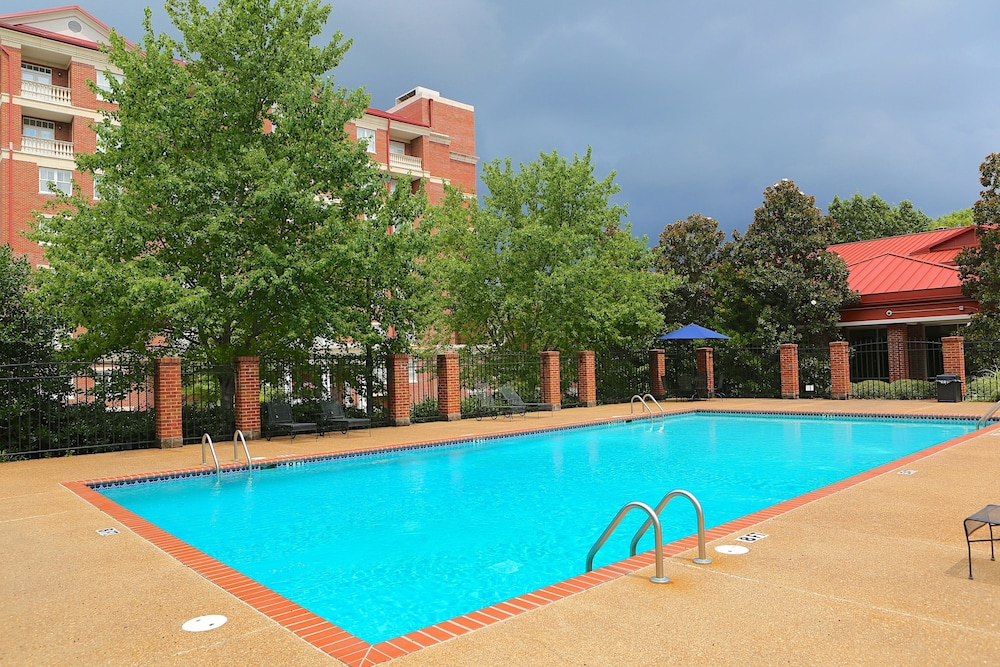 The Inn At Ole Miss University Pool