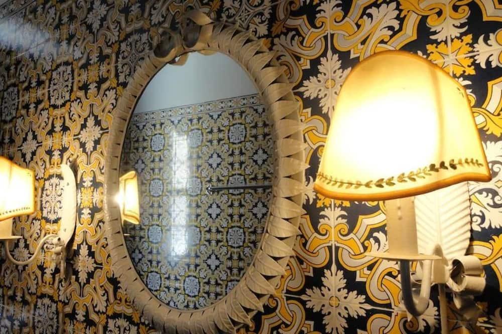 Quarto Duplo ou Twin Superior - Casa de banho