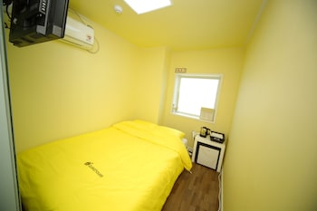 Picture of 24 Guesthouse Sinchon Avenue in Seoul