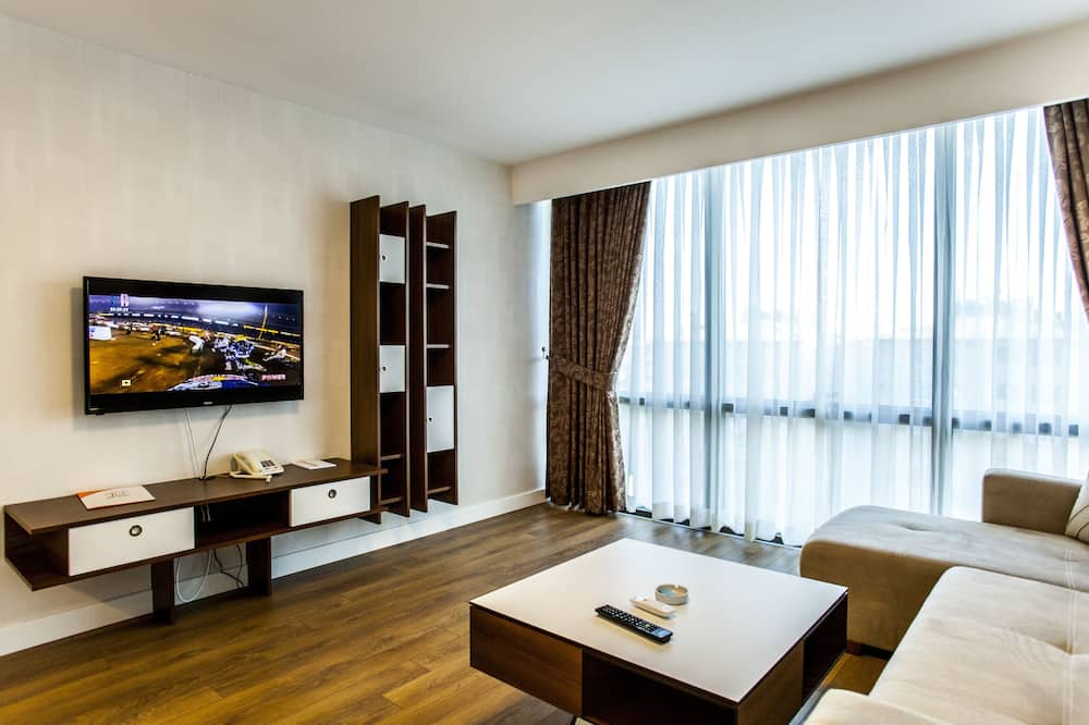 Grand Suite - Living Room