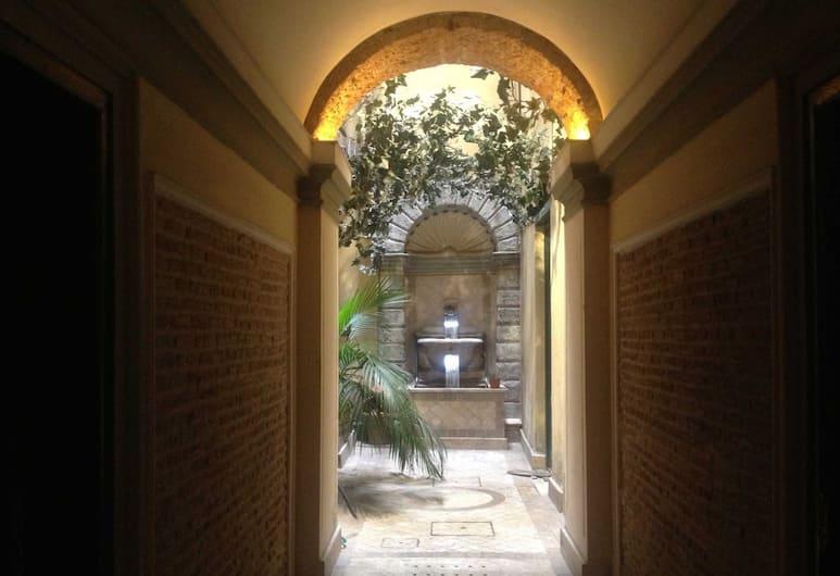 Domus Ripetta, Rome, Courtyard