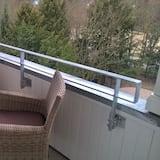 Apartment (E) - Balcony