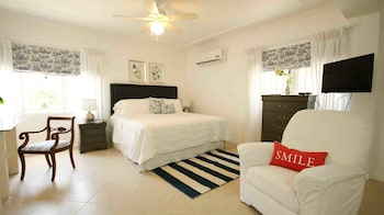 Picture of Cattleya's Exquisite Guest Apartment in Kingston
