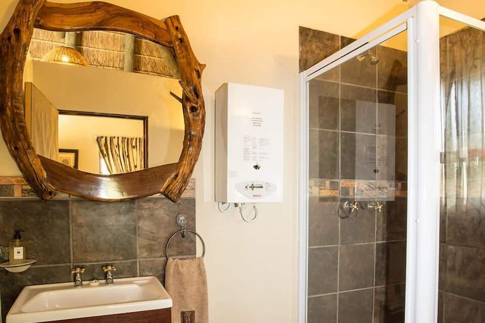 Family Chalet (Lion) - Bathroom
