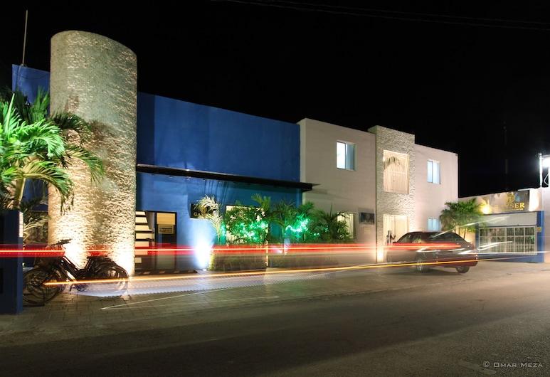 Hostal Gayser, Valladolid, Hadapan Hotel - Petang/Malam
