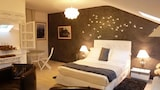 Book this Parking available Hotel in Quimper