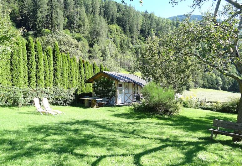 Gästehaus Zwischenberger, Obervellach, Garden